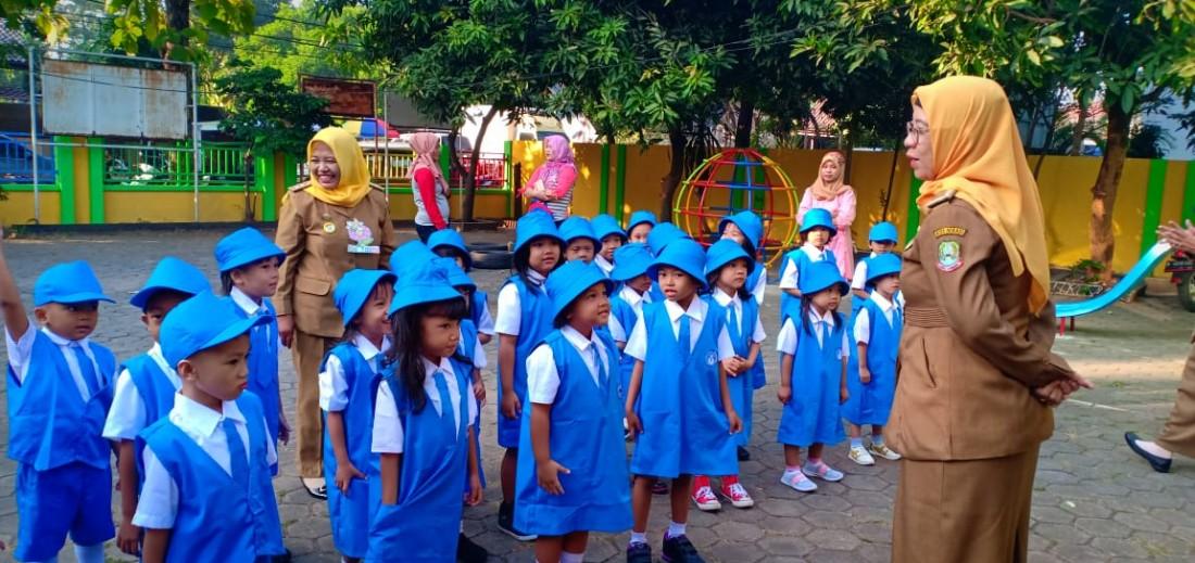 Membidani Sekolah Baru: Mulai dari Titik Nol Minus